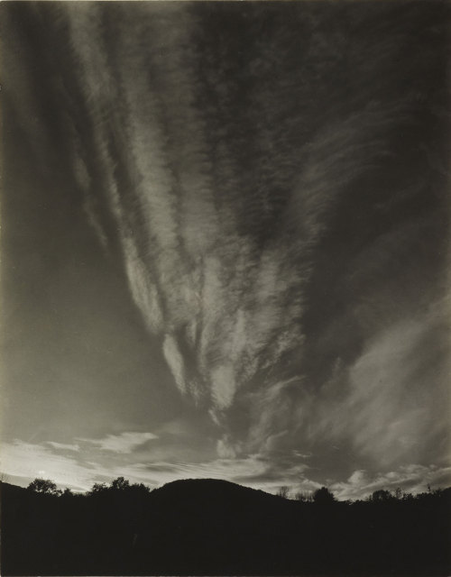 gacougnol:  Lake George, by Alfred Stieglitz 1922-23