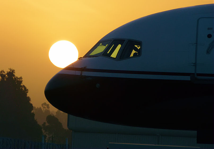 sun kissed Boeing 757, Addis Ababa,25May12.01 (by Pervez 183A)