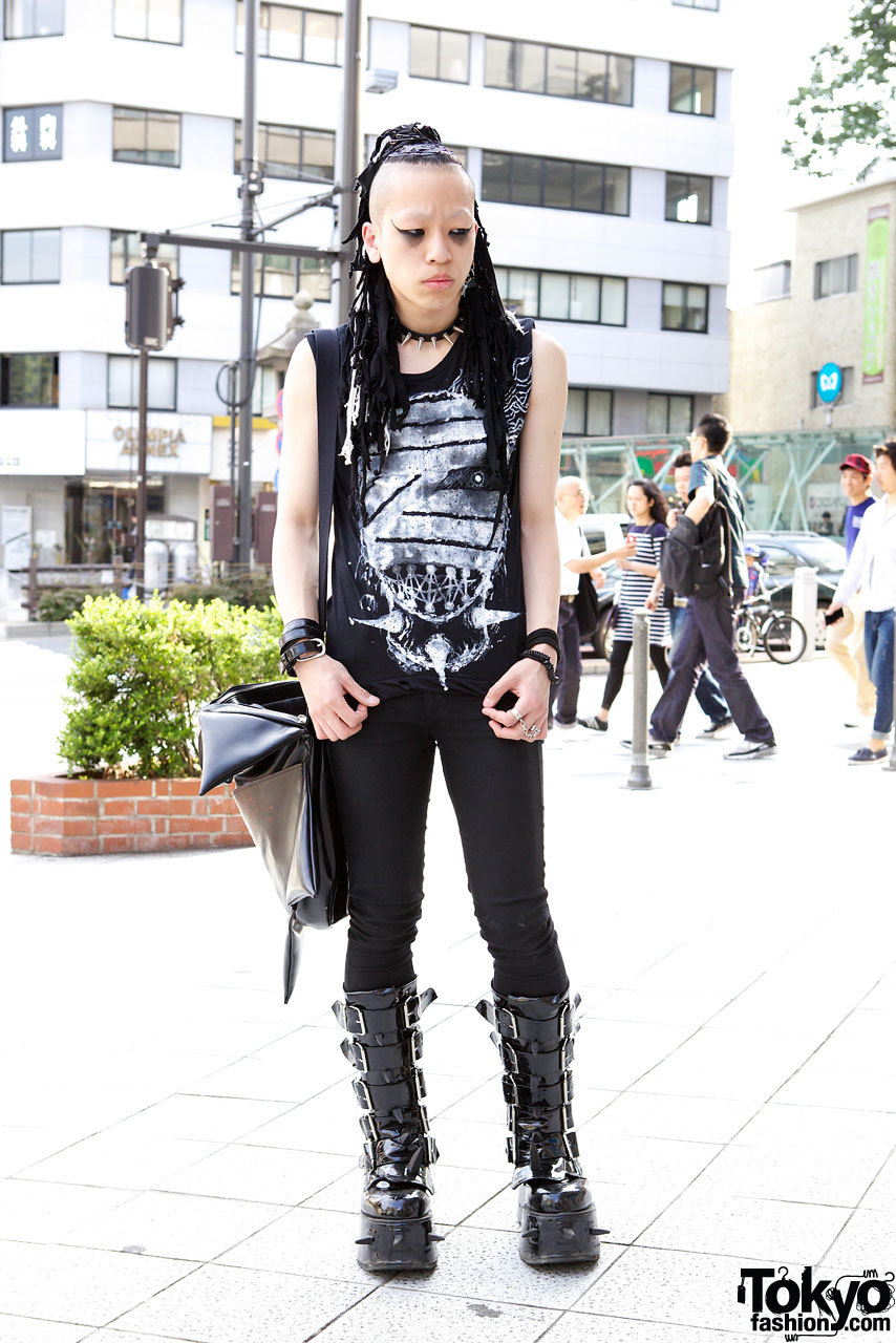 Void, a 20-year-old Japanese fashion designer w/ hair falls, spike choker & Demonia platform buckle boots on the street in Harajuku. Void has his own Tumblr.