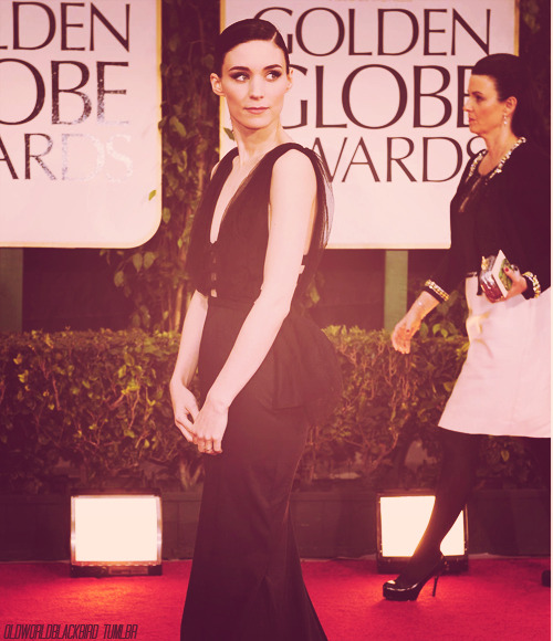 03/50 Pictures of Rooney Mara