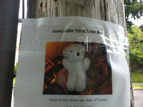 What a good samaritan. Hope the teddy and owner get reunited!