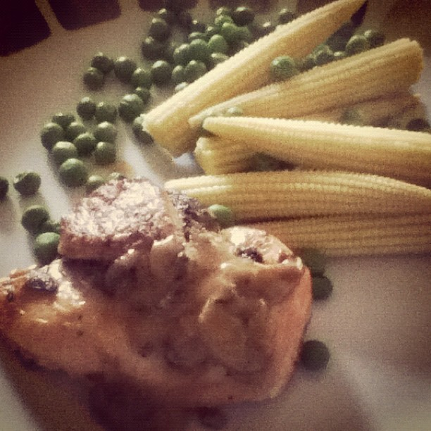 #chicken, #mushroom and #wine sauce with #babycorn and #peas. #protein #eatlean (Taken with Instagram)