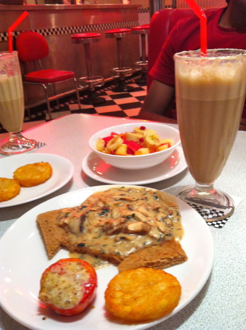 * Sunday Brunch at the DINER's **mushroom on toast-hash browns-fresh fruits-oreo shake:)