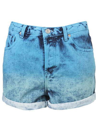 High-waisted jean shorts are a music festival staple. The dip-dyed aqua hue is an unexpected twist on classic denim cut-offs. Check out more tips on what to wear to your next outdoor concert » topshop.com