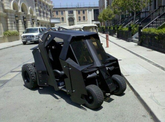 jaymug:  Batmobile Golf Cart