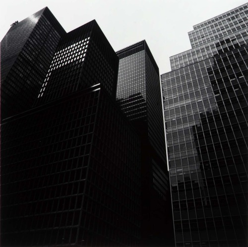 gacougnol:  New York, by Harry Callahan 1971