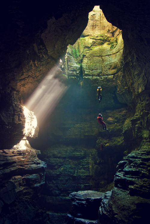 hellanne:  The Descent (by outsideshot)