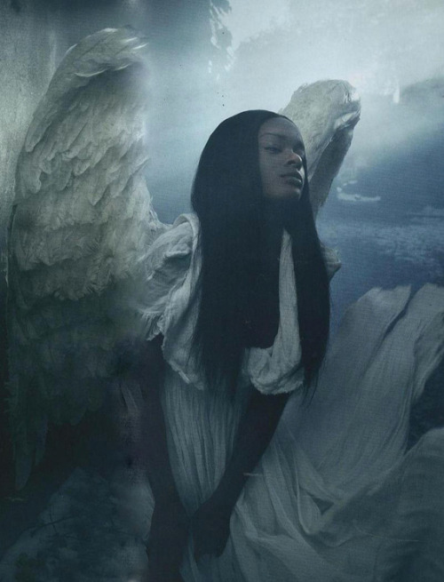 terranld:  moisieur:  Azealia Banks shot by Solve Sundsbo for LOVE, S/S 2012  MOTHER OF GAWD