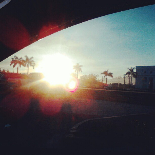 Good morning #bacolodcity ! On my way to Bago city #longtrip #longdrive #igdaily #sunrise #sunshine #android #governmentcenter (Taken with Instagram at Bacolod Government Center)