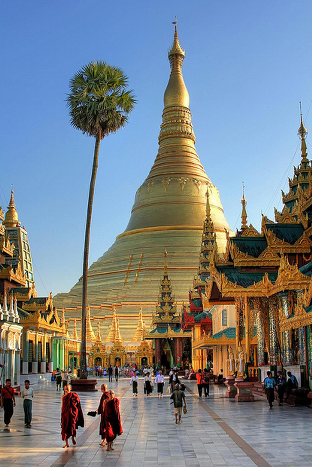 indie-skye:  dr0gon:  Spiritual Wonder of the World | Shwedagon Paya (Pagoda) | Yangon  ☾ḮЙᴅḮΣ ☪ БΘĦϴ☽