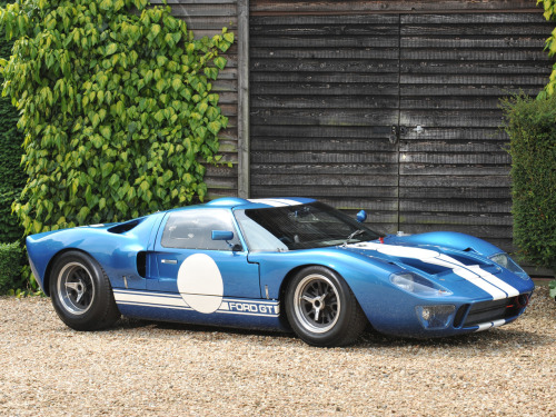 I'm not typically a fan of Fords, but this is a beautiful car:   Ford GT40 (MkII) '1965–66