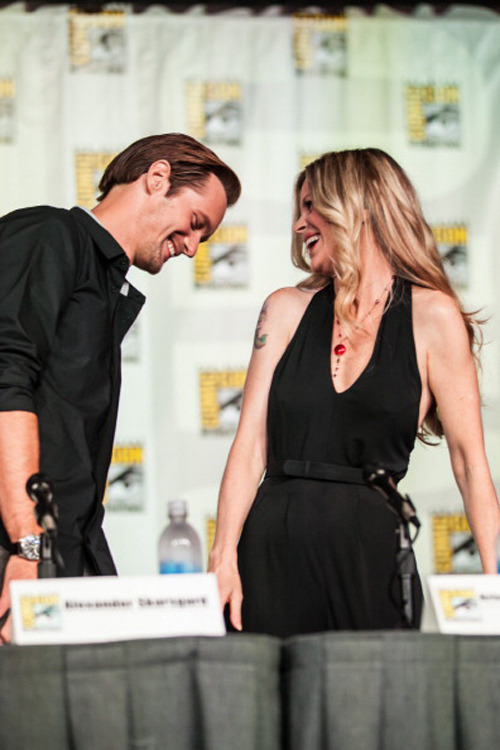 suicideblonde:  Alexander Skarsgard and Kristin Bauer at the True Blood panel at San Diego Comic-Con, July 14th These two are so ADORABLE TOGETHER I CAN NOT EVEN.  Look at them coming into the panel