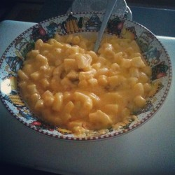 Are you also having a bad day? Eat some mac and cheese. It's makes everything better #food #comfortfood #macandcheese  (Taken with Instagram)