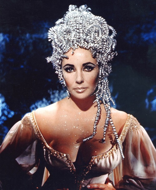 bohemea:  Elizabeth Taylor in Doctor Faustus, 1967  WHAT IS THIS I CAN'T EVEN