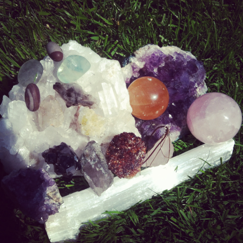 Crystal minerals contain subtle vibrations and energies that can be used to bring balance back to the body's natural energy state. Different cultures around the world have used crystals for healing for centuries. With Crystal Healing, we simply add Mother Earth's natural energy in the crystals to help  re-align the body's chakras, remove any negative energy, pain or any blockages in the body and fill the individual with a state of inner peace, relaxation, joy and love.  You can use crystals in your daily life to help relieve stress, improve concentration, meditate, receive more love, practice forgiveness, improve communication and even to attract a sexual partner or increase fertility. There are 7 main chakra centers in the body; if one of those chakras or energy centers is weak, a crystal may help to re-align that chakra back to its natural energetic state. If our bodies are healthy and balanced, it is always our natural tendency to feel gratitude, acceptance and love. If you are feeling anything less than that, like fear, anger, worry, guilt, sorrow, or lack of self-love, and especially if you are having a difficult time letting go of these negative emotions, you could benefit from some chakra balancing from Mother Earth's love through the power of crystals.