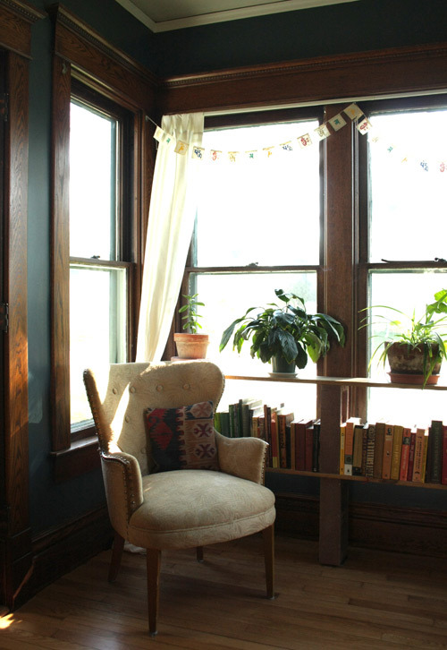 (via before & after: living room transformation | Design*Sponge)