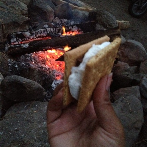 S'MORES!! 😍😍 #smores #chocolate #camping #fire #marshmellow #food #snack #foodporn #love #happy #good #times #memories #yum #yummy #iphone #iphoneography #instagram  (Taken with Instagram)