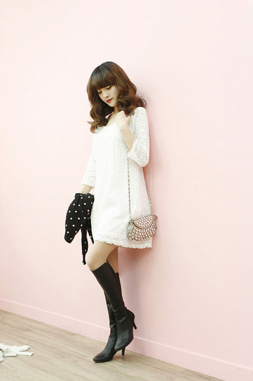 3/4-Sleeve Laced Dress by Dodostyle