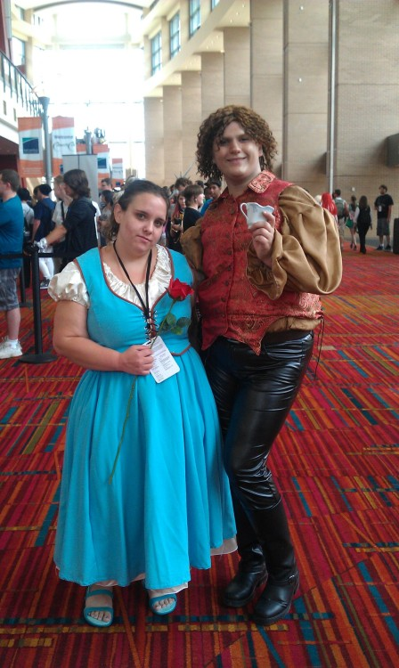 There were Oncers at CTcon! I was thrilled! Belle and Rumplestiltskin. They even had the chipped cup. :3 @ CTcon 2012