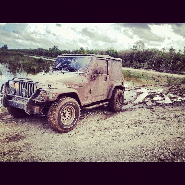 navyalp:  Dirty Girl #jeep #mudding #itsajeepthing (Taken with Instagram)