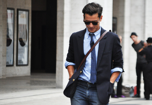 thetieguy:  rolling up sleeves on a blazer? ehh…
