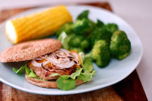 Juicy Grilled Turkey Burgers Recipe