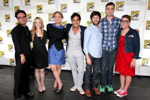 sheldoncooperislooove:  The Big Bang Theory Cast @ Comic Con