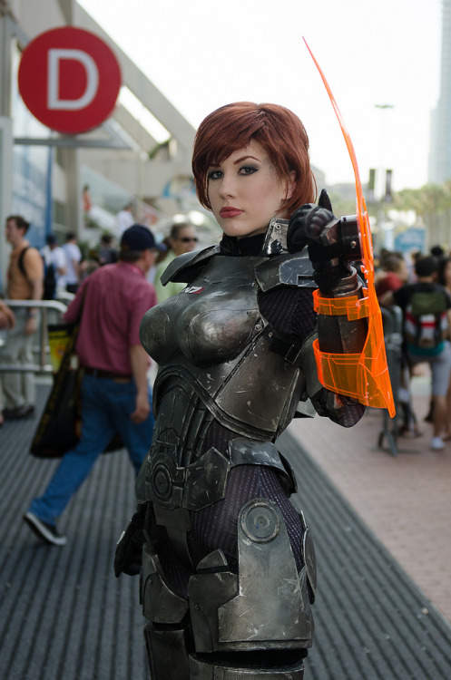brentkeane:  1280_CMC_4961 (by Bitspitter) FemShep cosplayer at Comic-Con.