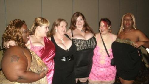 At the Award Show after party with Lady Seductress, Sapphire, Lexxxi Luxe, SexyMaeBBW, and Honey Dip!