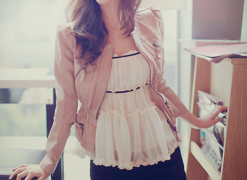 I LOVE this top. Amazingly cute.