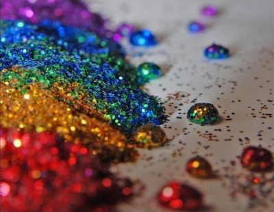 I'm so Friggin Obsessed with glitter !!!! :)