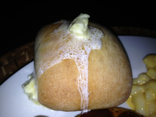 In case you missed those yummy yeast rolls with melted honey butter 😍 ….I could eat a whole pan right now, screw Krispy Kreme Hot Now Donuts.