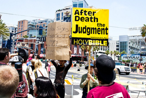 Comic Con 2012 by sebastian.jespersen on Flickr.  LMAO! Well played sir.