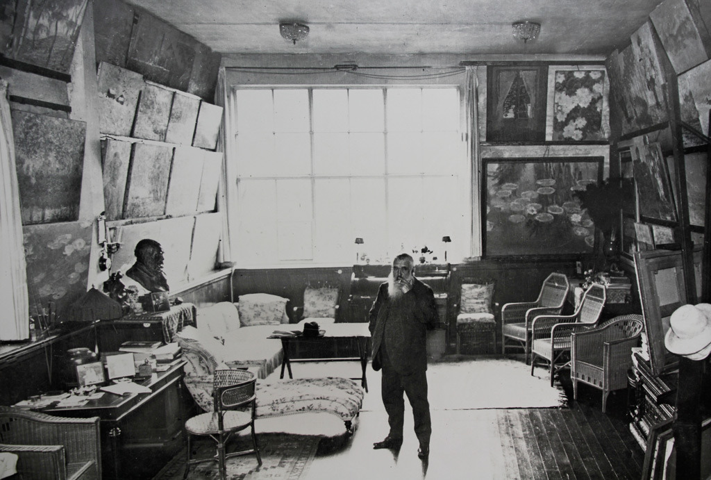 baudei:  Monet in his atelier, in Giverny, in the twenties