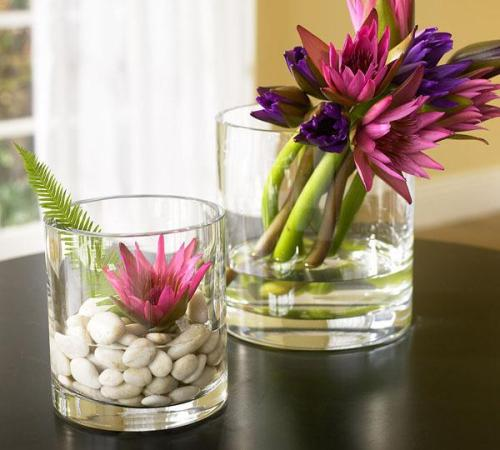 I love these flowers in glass vases!