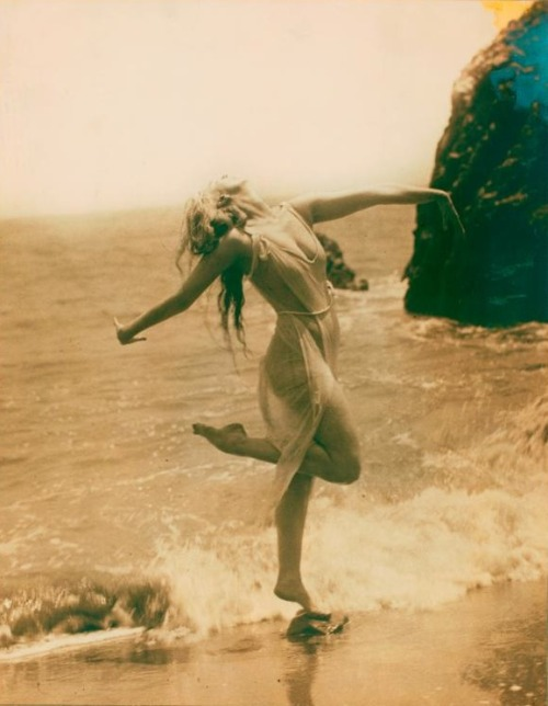 so-woods:  Ruth St. Denis, circa 1915
