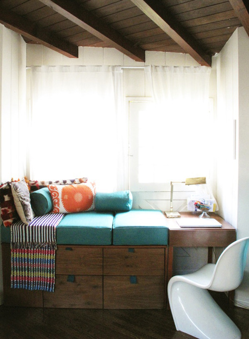 cozy bed+desk+window seat