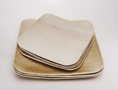 "Beautiful biodegradable dinnerware created from fallen leaves Maker VerTerra says: ""Our production process is simple and transparent: After collecting fallen leaves that would normally be burned, we apply steam, heat and pressure to transform the leaves into durable products that will naturally compost in 2 months."" Read more at Design Milk here."