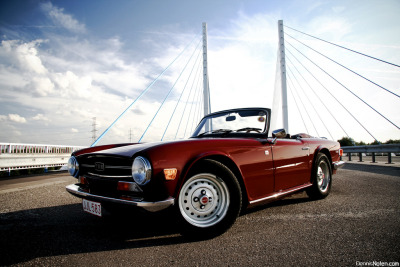 carpr0n:  Sky is the limit Starring: Triumph TR6 (by Denniske)