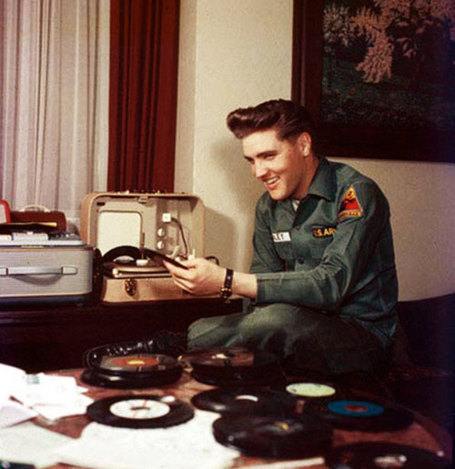Elvis you may have missed.  vinylespassion:  Elvis Presley