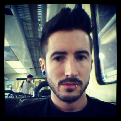 On the train to work #gpoy #gay #ihatemondays http://instagr.am/p/NI4Y0ZSdx1/