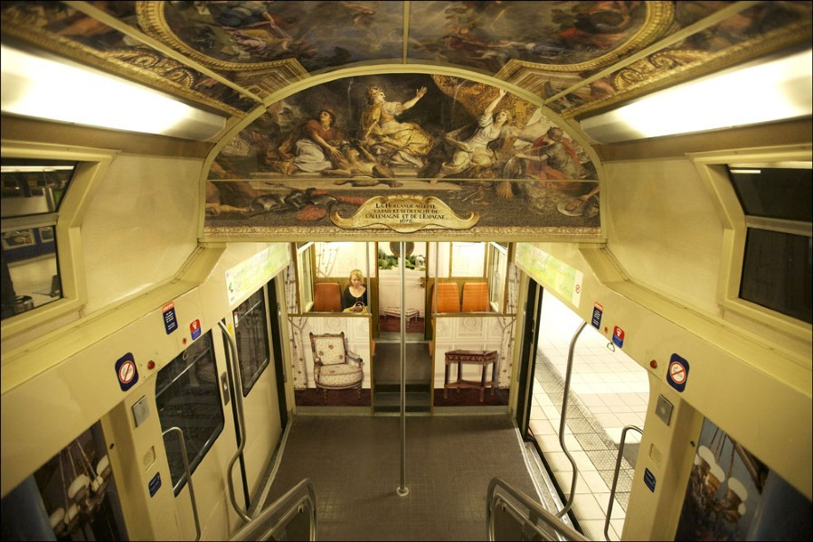 PARISIAN RER TRAIN TRANSFORMED INTO PALACE OF VERSAILLES REPLICA