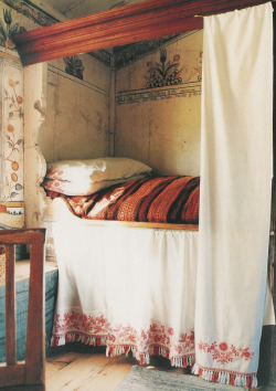 limilee:  Swedish Cupboard Bed