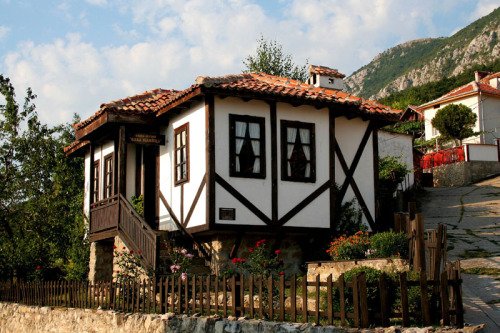 evysinspirations:  (via traditional house, a photo from Vratsa, West | TrekEarth) Chelopek, Bulgaria