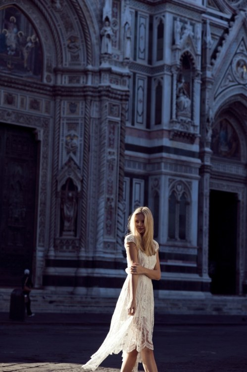 Tuula, by Zanita in Florence wearing a Lover dress. I loveee this series of photos, probably because I loveee Florence so much!