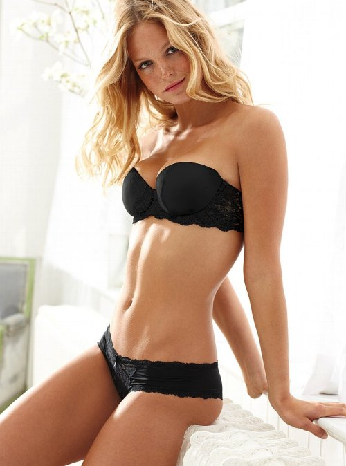 Erin Heatherton. She doesn't look bad in black lingerie. You will also like: more photos of Erin Heatherton.