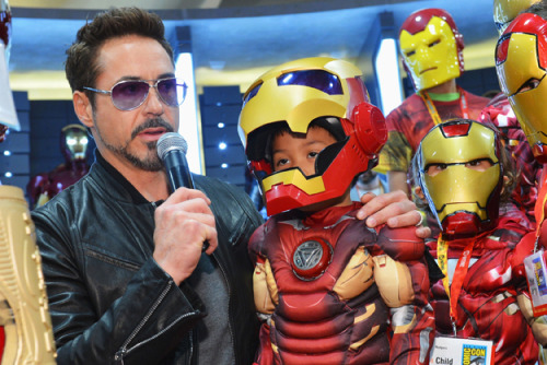 San Diego Comic-Con: Marvel Studios announce plans, bring out Robert Downey Jr.  for 'Iron Man 3'   SAN DIEGO — Robert Downey Jr. made a Tony Stark-like entrance Saturday into the San Diego Convention Center's largest exhibition hall, dancing up through the aisles among more than 6,000 fans.   Read more: http://www.nydailynews.com/entertainment/tv-movies/san-diego-comic-con-marvel-studios-announce-plans-bring-robert-downey-jr-iron-man-3-article-1.1115248#ixzz20oMnM0Do