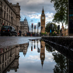 allthingseurope:  London Reflections (by vulture labs)