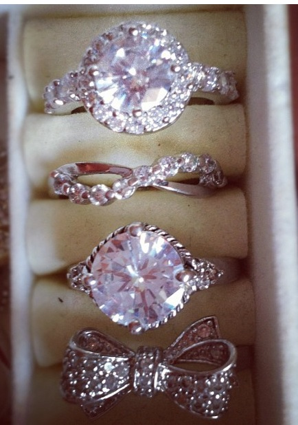#rings #bow #diamonds