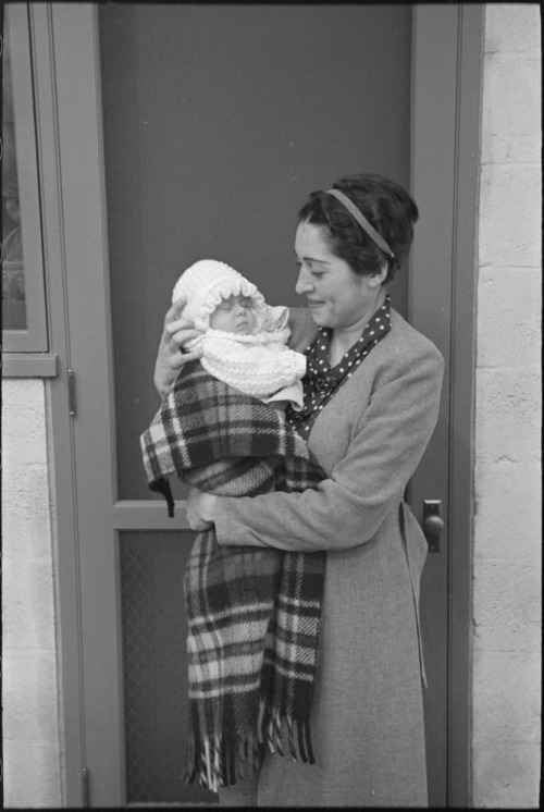 Mrs. Goldstein, a Hightstown, New Jersey homesteader, and her newborn baby (1936) (Photo by Russell Lee)